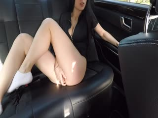 004 Hot Girl Masturbating on back Seat of the Car and wasn't Caught_1080p