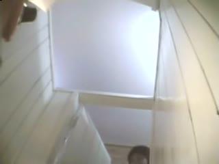 [偷拍]国产女子大学厕所偷拍,双镜头全方位,让你一次看个够