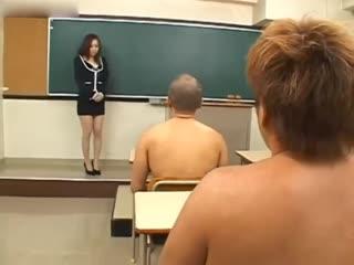 东热激情 淫乱女教师中出授业 特集