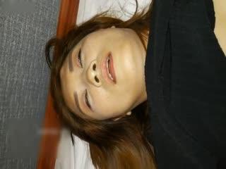 美女晚上和朋友撸串喝多后被带到酒店撕破丝袜狠狠抽插