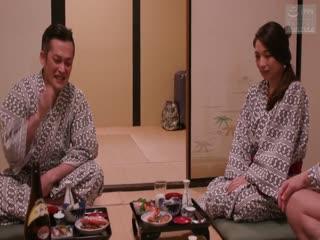 爱する妻と旅先で・・ 寝取らせ旅行 织田真子
